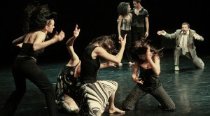 ШАМПАЊАЦ И ЈАГОДЕ (Lifetime warranty gratis)<br /> Форум за нови плес<br />Кореографија: Р. Хрибар и Г. Луштек