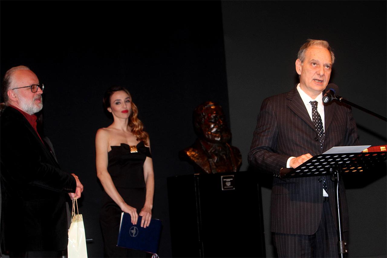 dr Zoran Đerić, voditelj programa Jovana Balašević i nj.e. Ilijas Ilijadis, ambasador Grčke, foto: Branislav Lučić